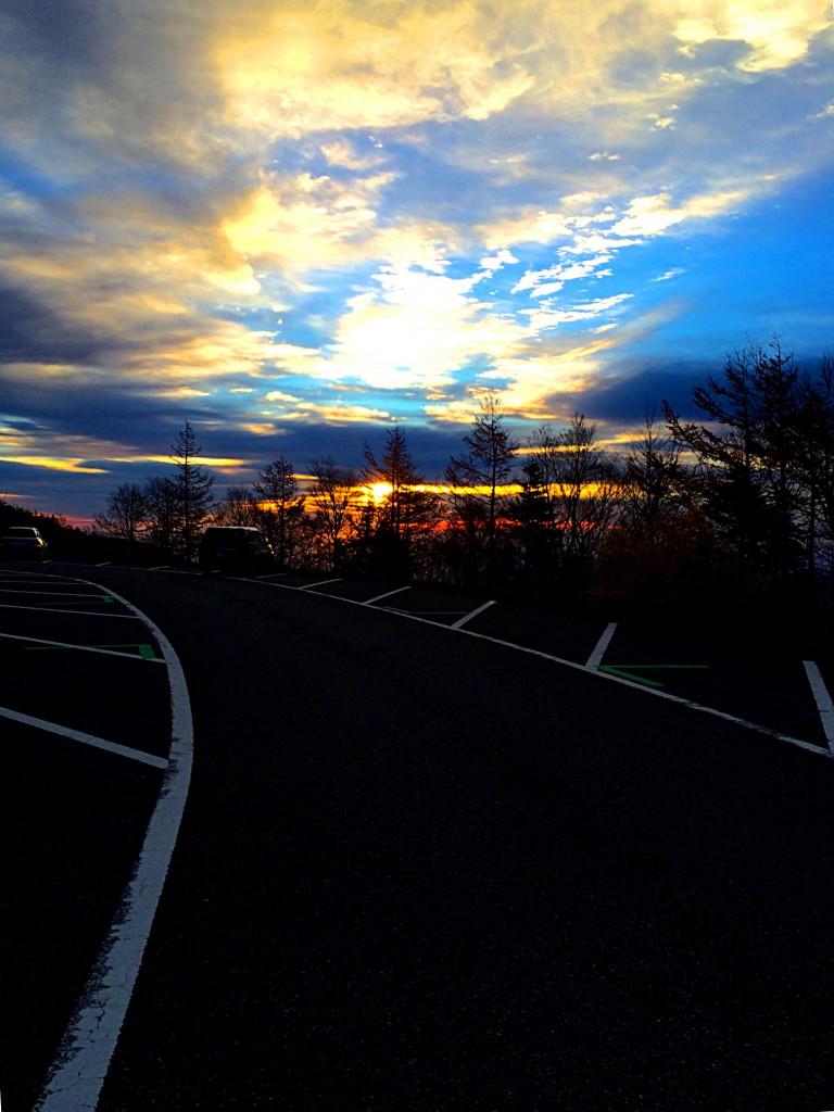 富士山五合目から見た朝日